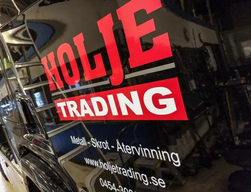 Holje Trading – Bildekor monterad på lastbil